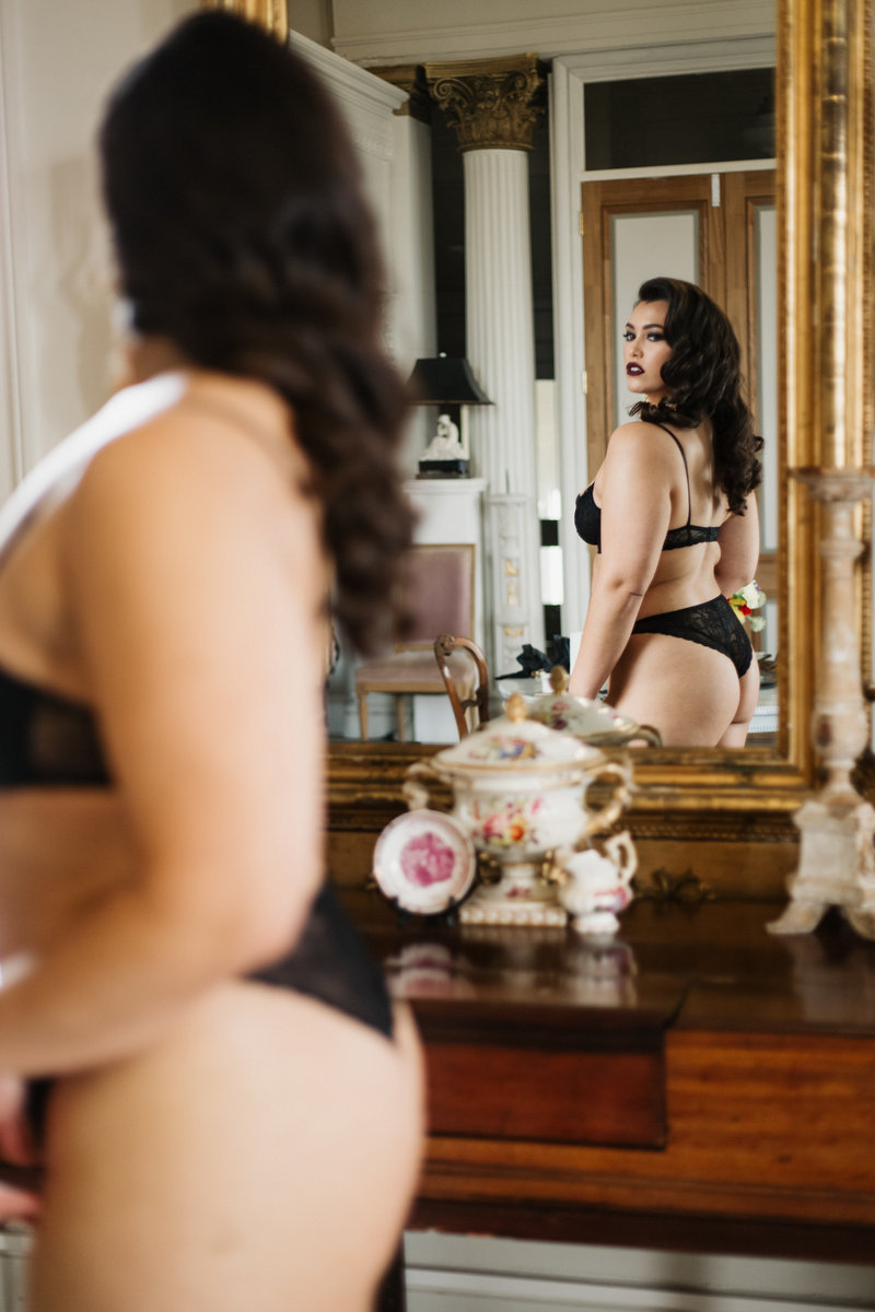 Isabella Moore – Here now